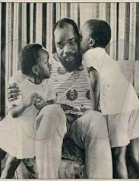 Chukwuemeka ODUMEGWU OJUKWU and kids